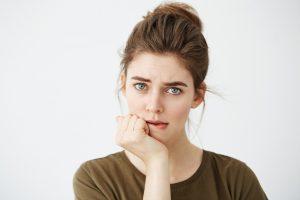 Les 7 raisons qui font de vous une personne timide